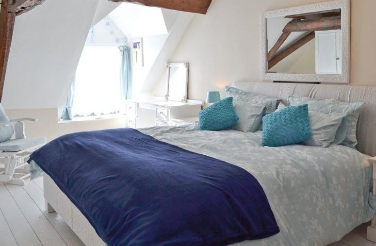 Michelmersh Manor Farm bluebells main bedroom