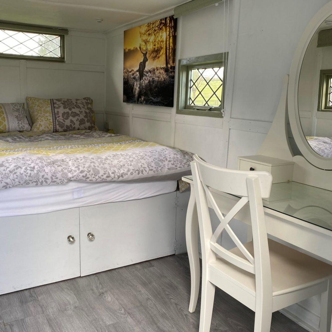 Shepherd hut kingsize bed